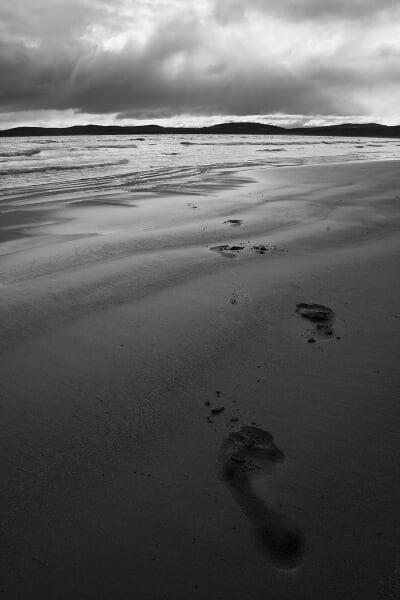 footprints mono